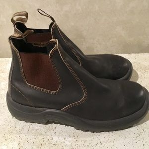 Blundstone Boots Size 8.5